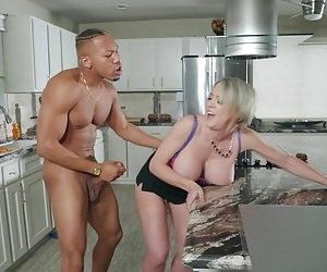 Kitchen cimshot for busty Dee Williams fucked by a black guy