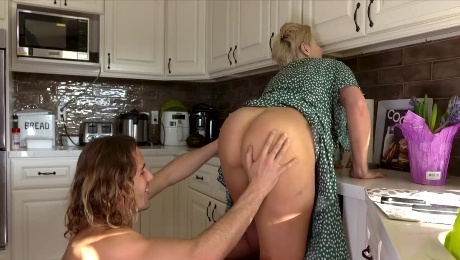 Getting some pleasure from my helicopter stepmom Ryan Keely